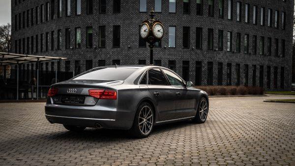 Audi A8 Quattro rent